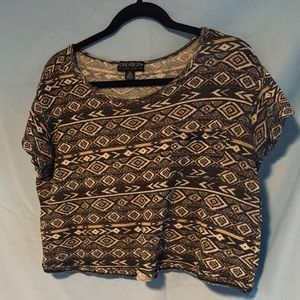 Tribal(?) pattern plus size crop